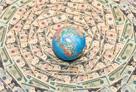 世界でお金が増えている